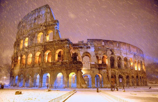 2018 neve Colosseo Roma