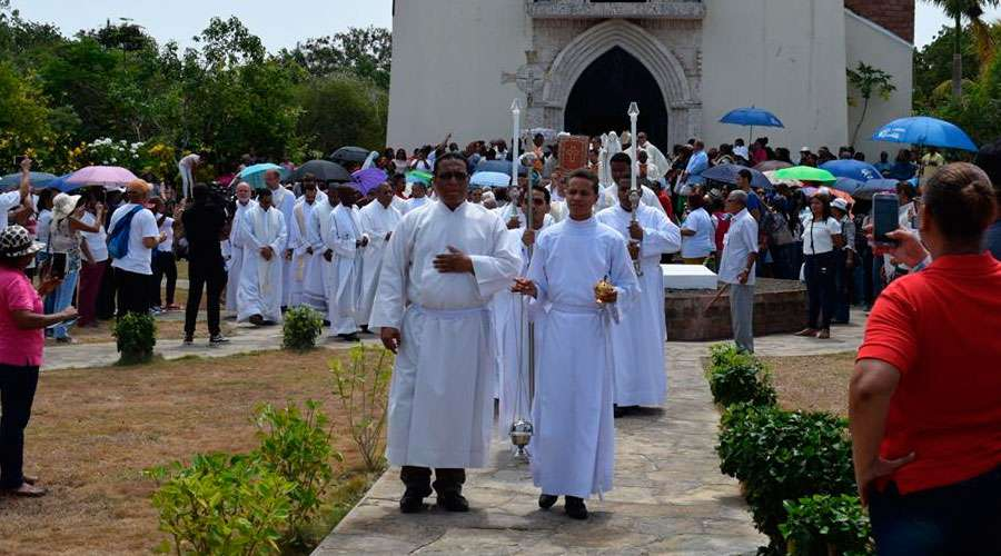 first mass Republica Dominicana peregrinacion 525 anos